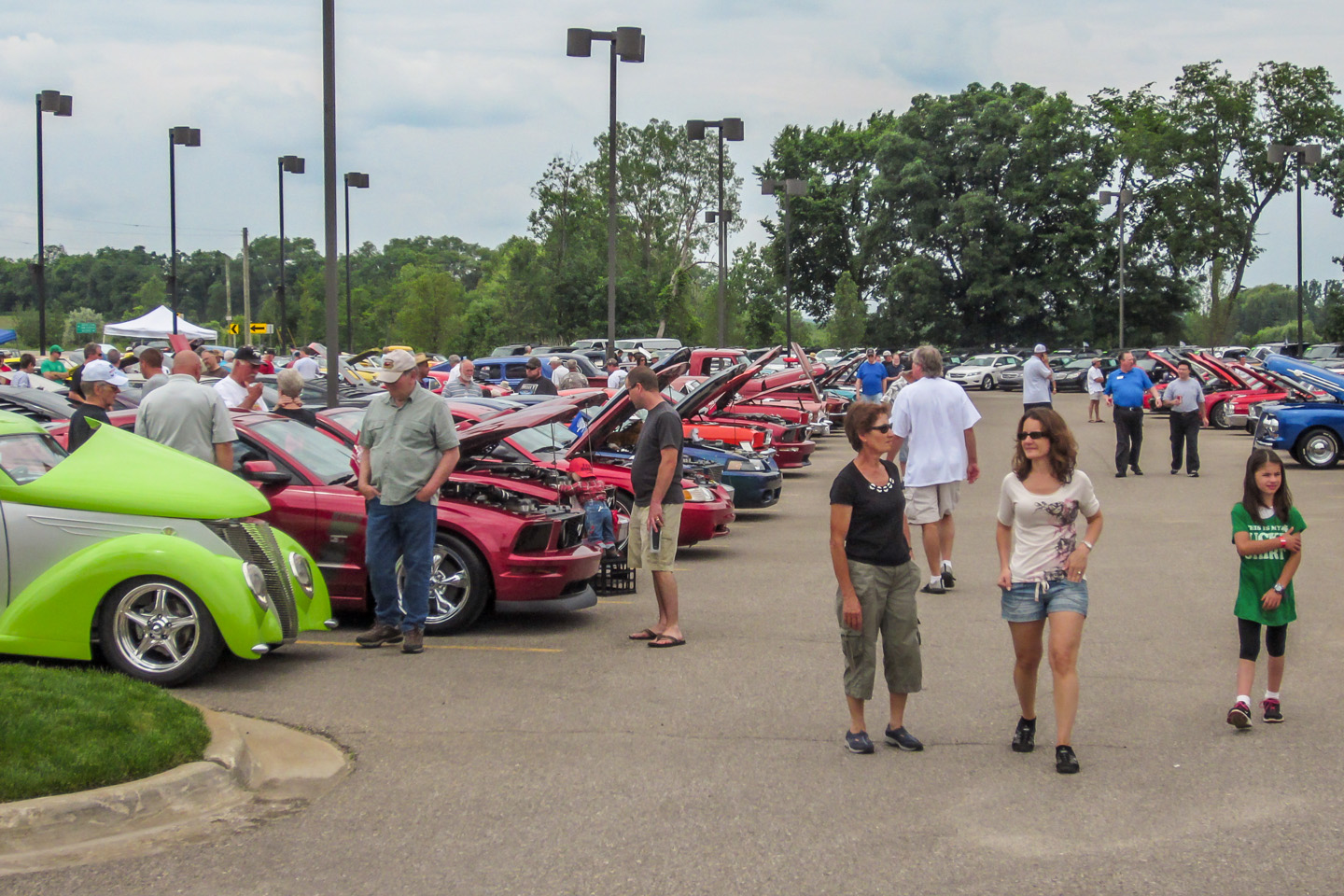 Mustang Owners Club Of Southeastern Michigan - Milford cruise in car show